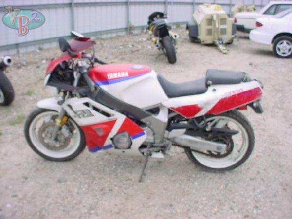 YAMAHA FZR600 - 1992
